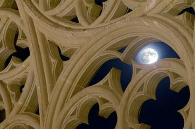"""Nits de Lluna Plena al Claustre """"Plens de Lluna"""""""