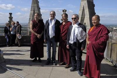 LA SEU VELLA REP LA VISITA D'UN GRUP DE MONJOS BUDISTES