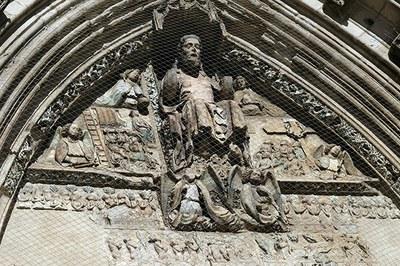 La Puerta de los Apóstoles y su restauración